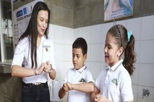 """Campaña """"La Vacuna está en tus manos"""" se despliega en instituciones educativas"""